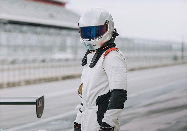Nomex® 用于赛车保护