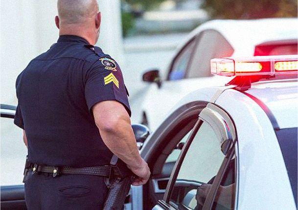 Law enforcement gear made with DuPontTM Kevlar® fiber helps manufacturers