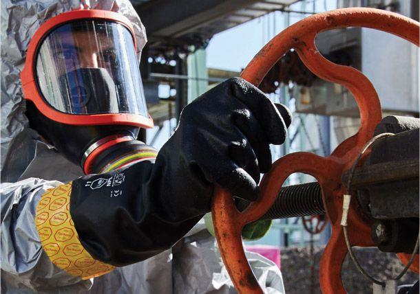 Tyvek® предоставляет универсальные перчатки Tychem®, обеспечивающие превосходную общую защиту