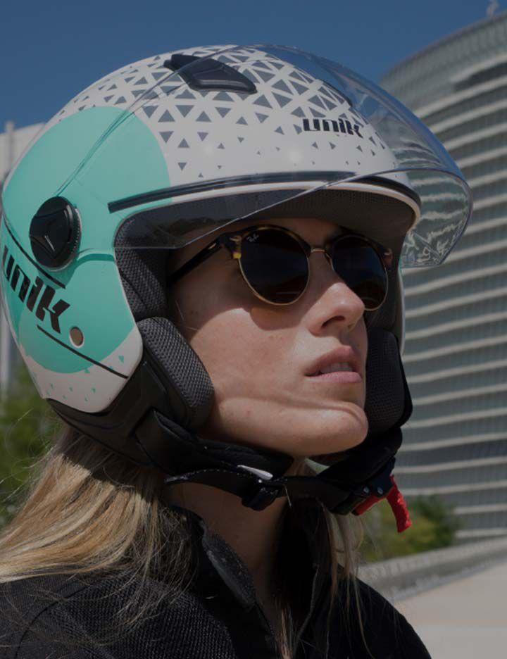 Unik women's motorcycle helmet made with Kevlar®