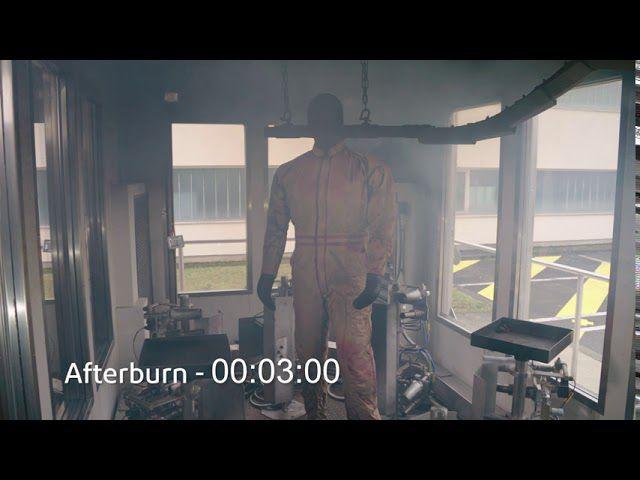 DuPont™ Thermo-Man® pone a prueba la vestimenta industrial Nomex®