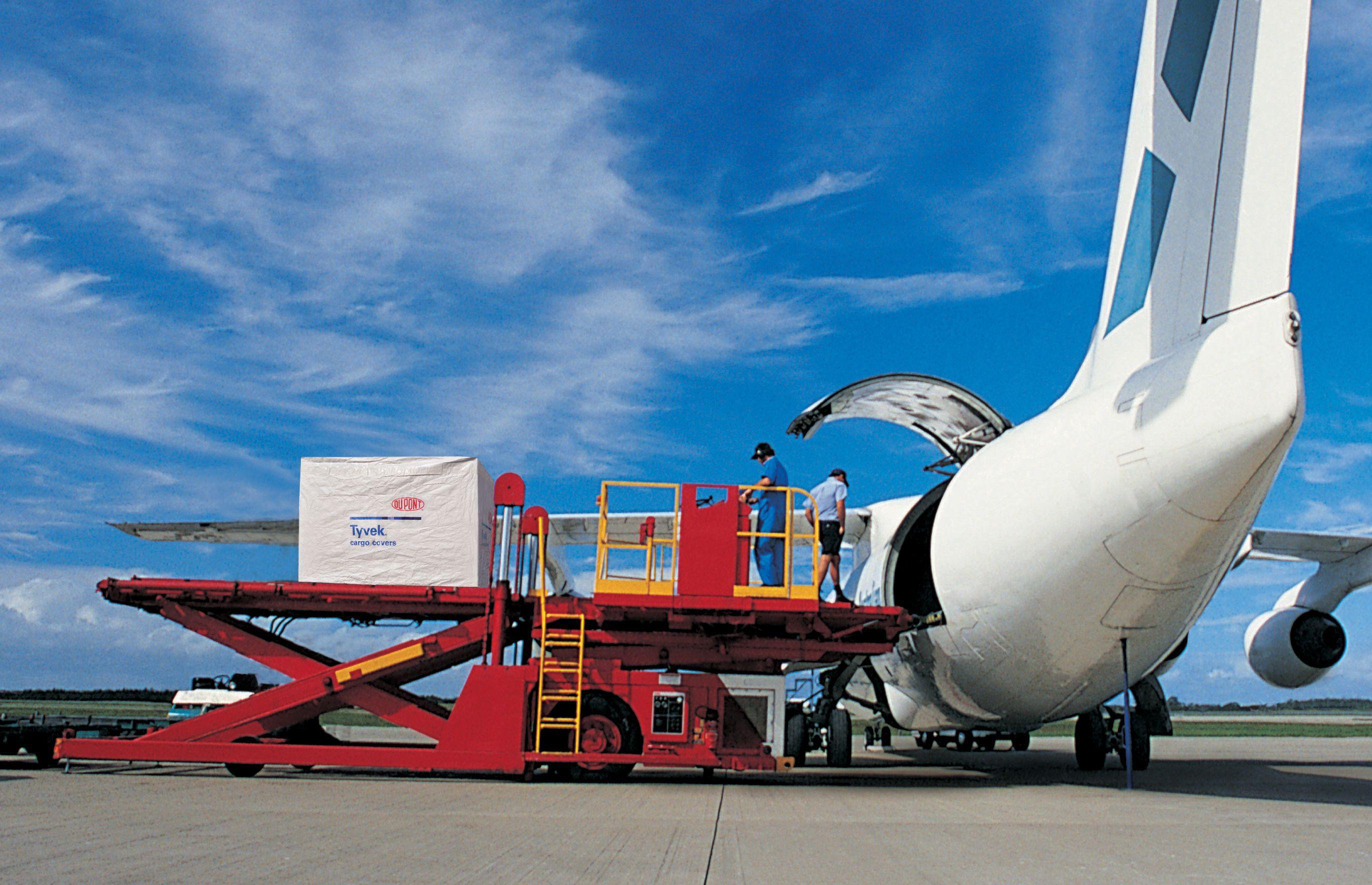 DuPont_Tyvek_CargoCovers_B_2744x1770_Kb3Hwh.jpg