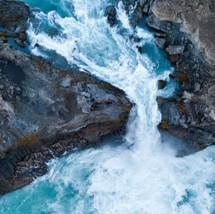 Seawater moving through rocks