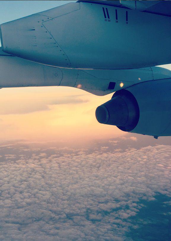 飞机发动机反推力装置