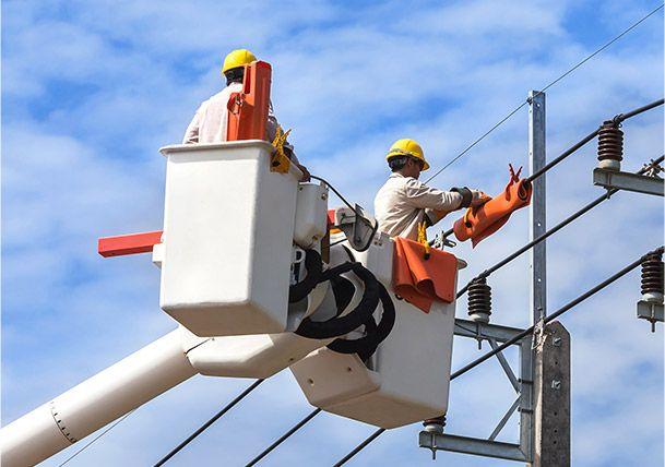 Le matériau Nomex® fournit des solutions ignifuges légères pour les dangers liés aux arcs électriques