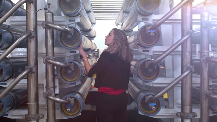 Women inspecting FilmTec™ reverse osmosis membrane elements in a municipal water treatment plant
